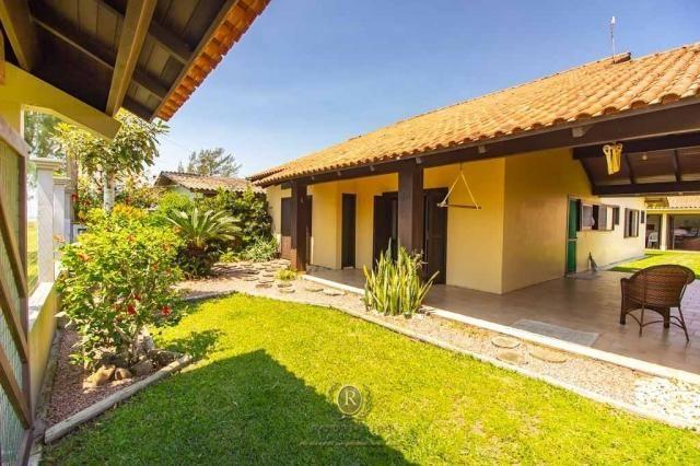 Casa com piscina 04 dormitórios Arroio do Sal RS - Foto 5