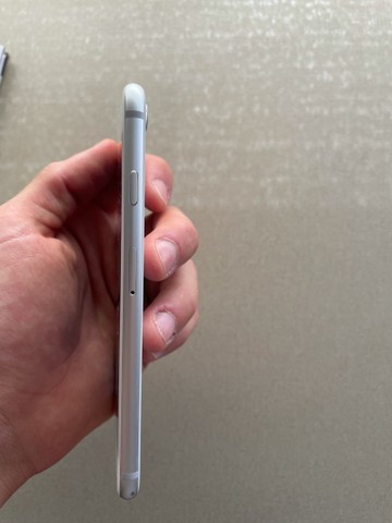 Iphone 8 - 64GB - Apple - Branco - Foto 5