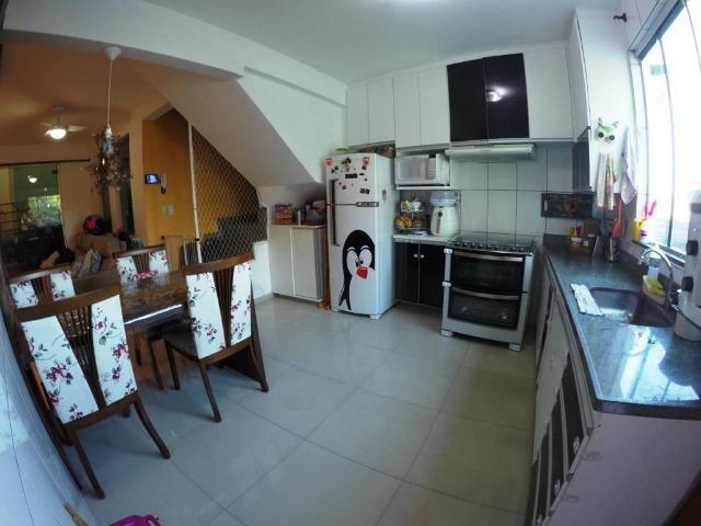 Cod.:2270 Linda casa geminada independente área construída 100 m² no Juliana - Foto 3