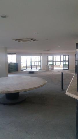 Exclusividade/ 504 m2 sendo UM por andar/ 4 suítes com varanda e closed - Foto 9