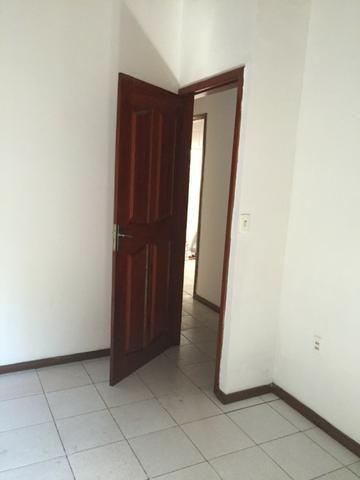 Excelente casa 100% Documentada, 2/4, Condomínio Imperial, ao lado do COPM, Financiável - Foto 12