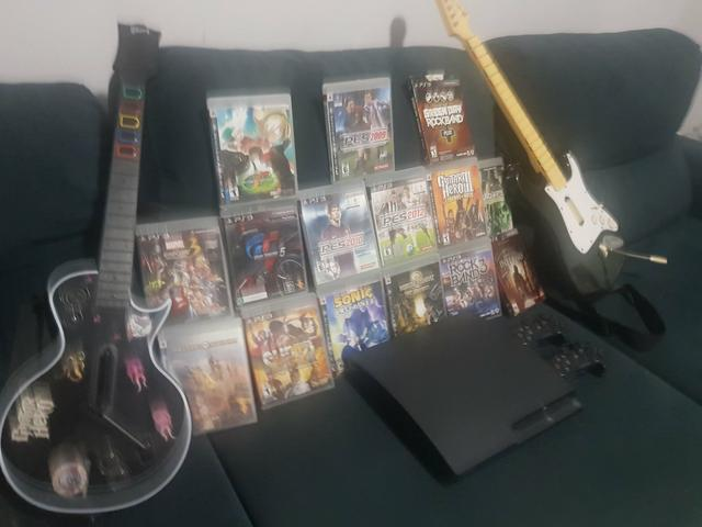 PS3 + Jogos + Guitarras Rock n' Roll - Foto 3