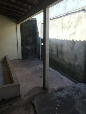 Excelente casa 100% Documentada, 2/4, Condomínio Imperial, ao lado do COPM, Financiável - Foto 2