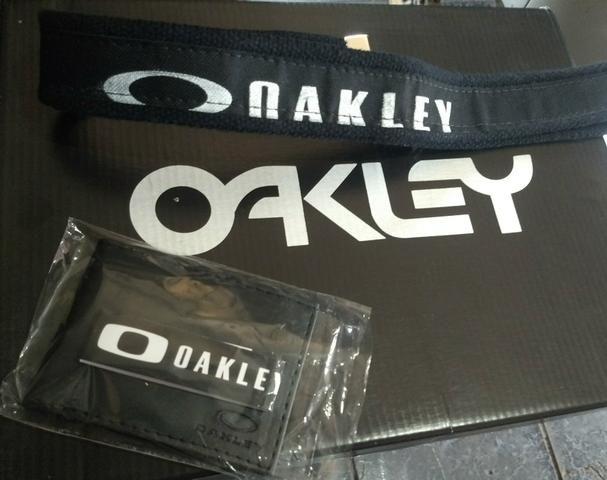 Carteira + cinto da OAKLEY