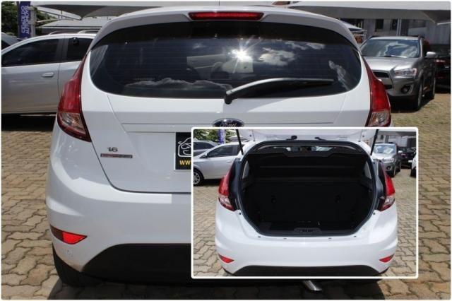 Ford Fiesta SE POWERSHIFT 4P - Foto 6