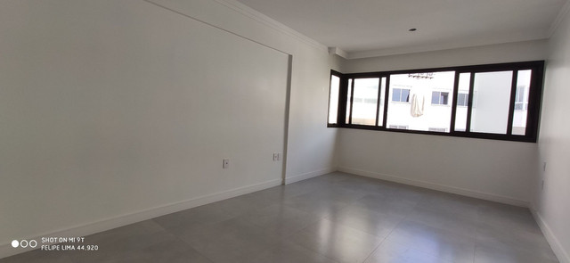 Apartamento 3 dormitórios de frente para lagoa do Violão - Foto 13
