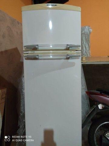 Geladeira usada em ótimo estado 360 litros