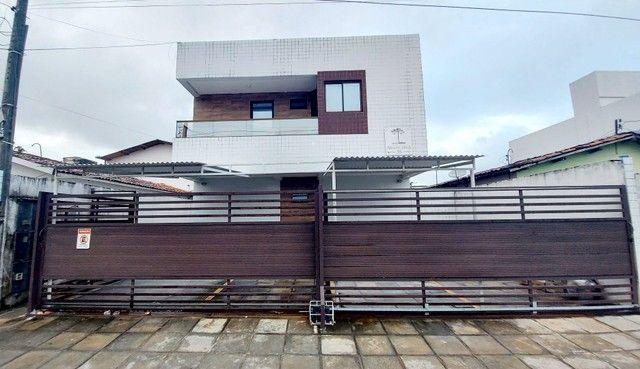Apartamento em Mangabeira com 2 quartos e Quintal