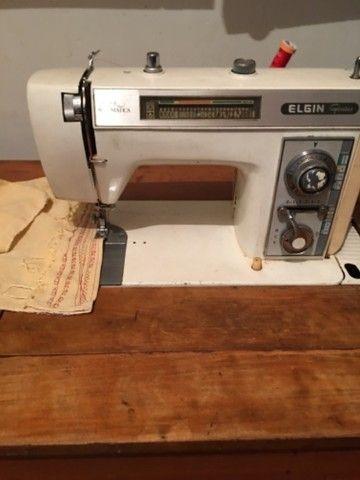 Máquina de costura Elgin Genius  - Foto 2
