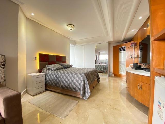 Cobertura espetacular com 495 m² privativos e 6 vagas de garagem - Foto 15
