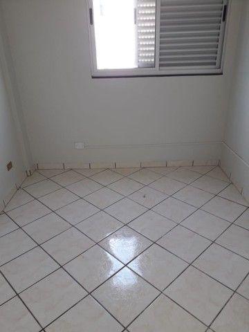 LOCAÇÃO   Apartamento, com 3 quartos em VILA BOSQUE, MARINGÁ - Foto 8