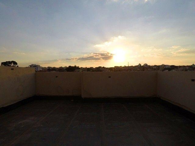 Vende se Apartamento de Cobertura com 90m² 2 Quartos e 1 Vaga no Bairro Santa Mônica! - Foto 18