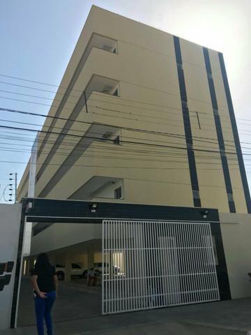 Aluga-se apartamento no Residencial Zezito Amaral - Mossoró/RN - Albet Magna Imóveis