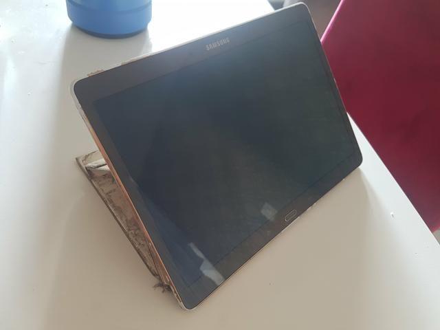 Tablet Samsung modelo SM T800