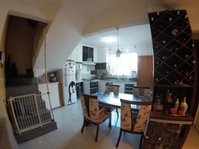 Cod.:2270 Linda casa geminada independente área construída 100 m² no Juliana - Foto 4