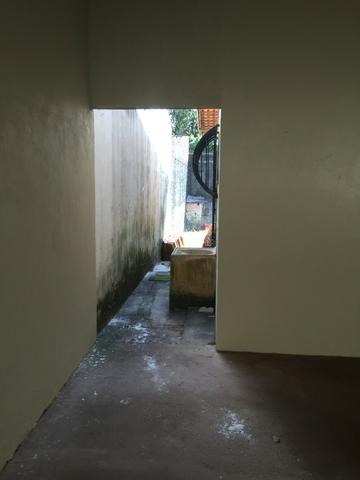 Excelente casa 100% Documentada, 2/4, Condomínio Imperial, ao lado do COPM, Financiável - Foto 4