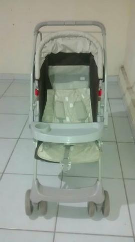 Carrinho bebê unissex da marca Galzerano