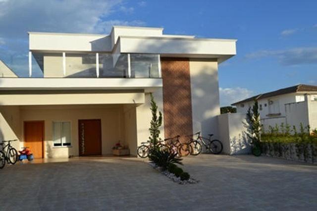 Belíssima casa com 4 suítes em Condomínio Fechado - Favor ler o anúncio todo-