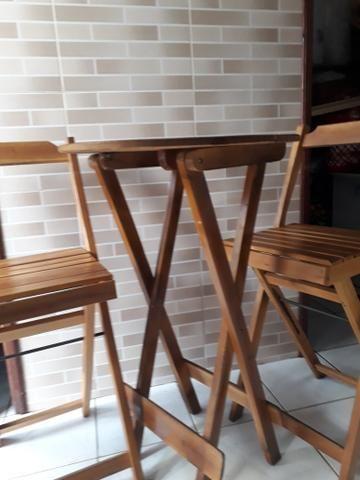 Mesa com cadeira bistrô madeira - Foto 2