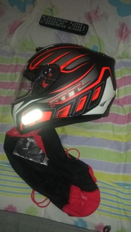 Balança p lavar moto e capacete MT helmets tudo praticamente novos - Foto 3