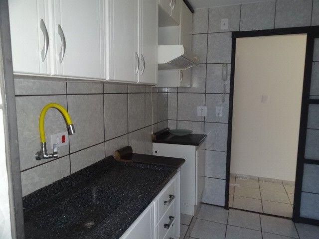 LOCAÇÃO   Apartamento, com 3 quartos em AEROPORTO, Maringá - Foto 11
