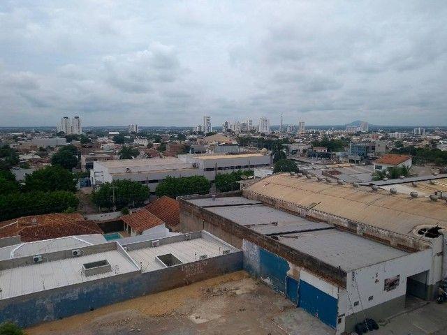 OTIMO APTO EDIFICIO EDUARDO IV BOSQUE SAUDE - Foto 17