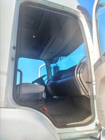 Volkswagen Constellation 26.420 ano 2014 6x4 automático, único dono em excelente estado.  - Foto 7