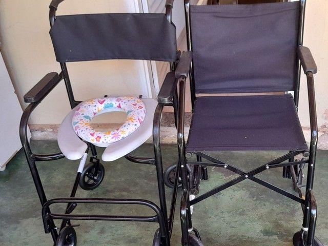 Cadeiras de banho e de roda