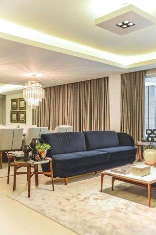 Apartamento para venda possui 441 metros quadrados com 5 suítes e 5 vagas de garagem em Cu - Foto 5