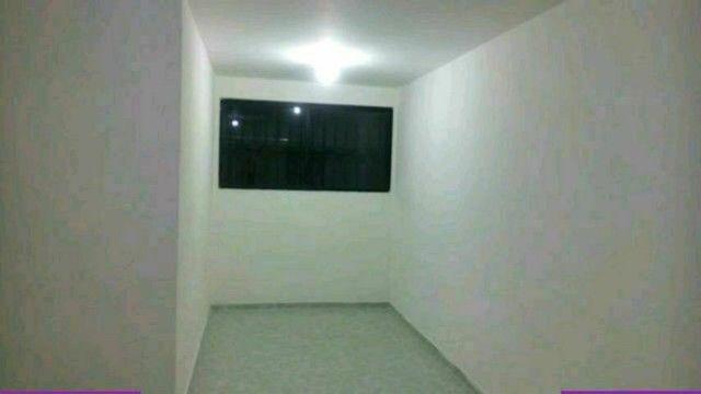 Vende-se,  permuta apartamento térreo quitado por casa no José Américo   - Foto 3