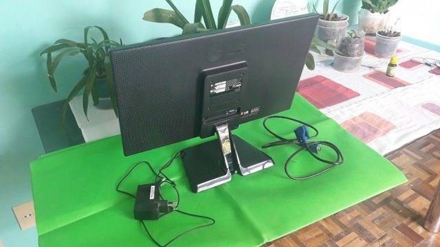 """Monitor LG Led 19,5"""" - Modelo 20EN33SSA  - Foto 2"""