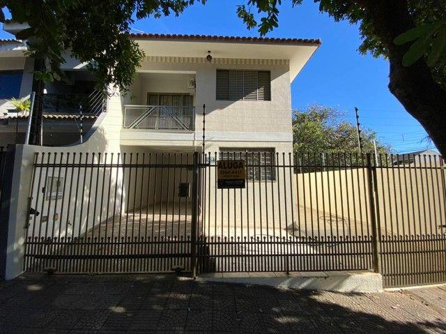 LOCAÇÃO | Sobrado, com 3 quartos em Jardim Dourado, Maringá