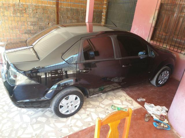 Vendo carro fiesta sedan