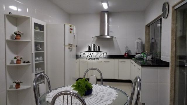 Ampla casa com 3 suítes, em excelente condomínio ( privê) - Foto 8