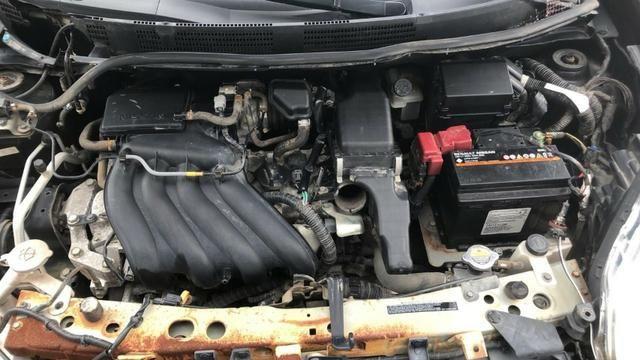 Motor Nissan March 1.6