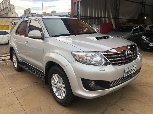 Toyota Hilux sw4 srv 3.0 4x4 automatica