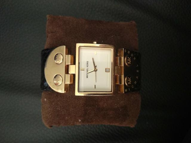 311dd94ed0ce8 Relógio michael kors novo - Bijouterias, relógios e acessórios ...