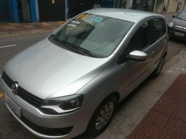 VW Fox 1.6 Trend GII Prata Completo 2014 2º Dono R$ 32.900,00 - Foto 3