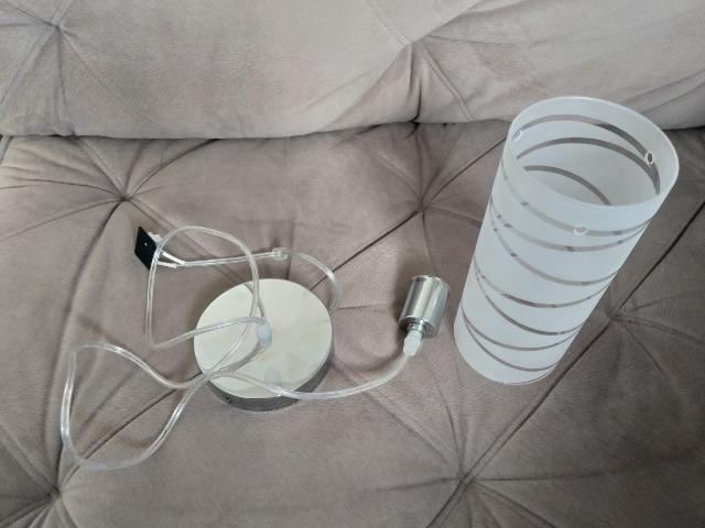 Luminárias pendentes e lâmpadas coloridas com controle remoto - Foto 3