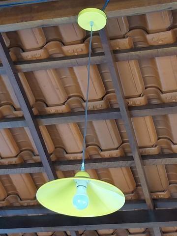 Luminárias pendentes e lâmpadas coloridas com controle remoto - Foto 5