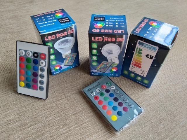 Luminárias pendentes e lâmpadas coloridas com controle remoto - Foto 4