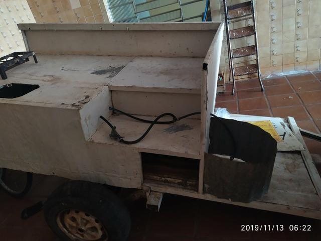 Vendo carretinha reboque com fogareiro - Foto 3