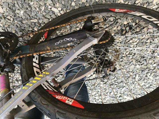 Vendo bicicleta aro 26 vikings tuff 45 - Foto 2
