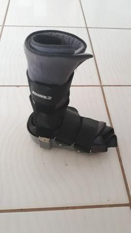 Vendo 2 botas ortopédicas