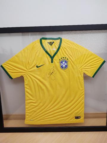Camisa Brasil Autografada Neymar / Enquadrada - Foto 2