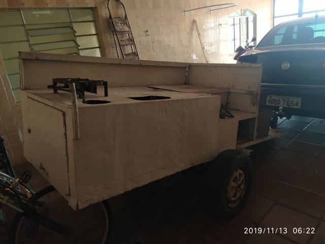Vendo carretinha reboque com fogareiro - Foto 2