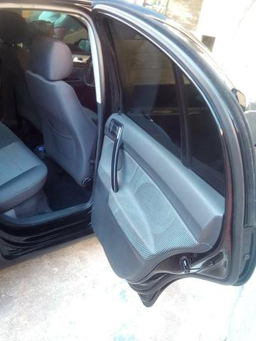 Polo Sedan 1.6 Flex - Foto 18