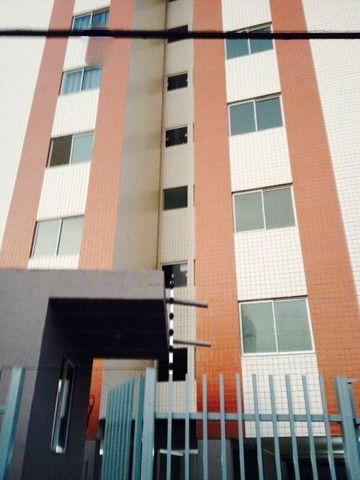 Vendo Apart 60 m2, 3 quartos, 2 banheiros 1 varanda e 1 garagem