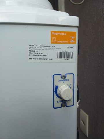 Bebedouro Refrigerado para galão, Marca Libell, 110V - Foto 3