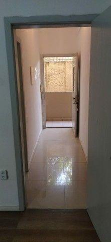 Alugo apartamento na Av Cristóvão Colombo térreo 2 quartos 75m2 - Foto 8